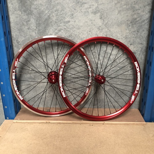 Bombshell One80 Junior Red/Black Wheel Set